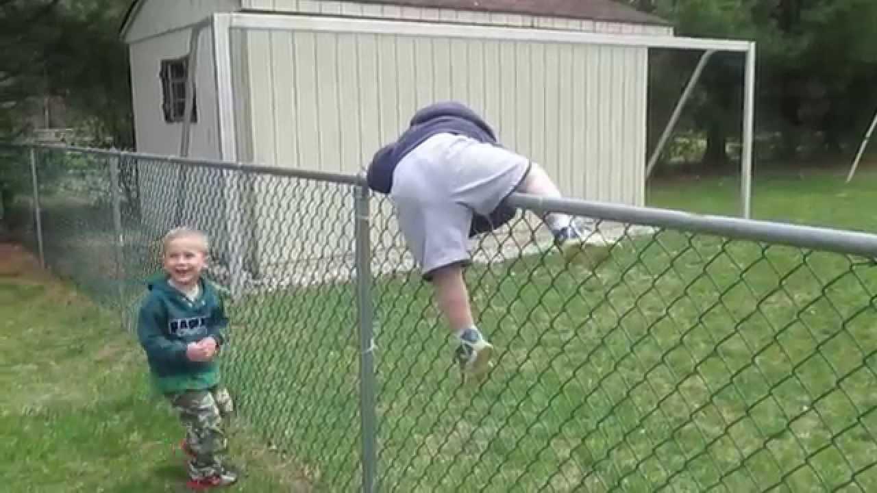 Jeffs kids climbing on fence-Sat Apr 25,2015 - YouTube