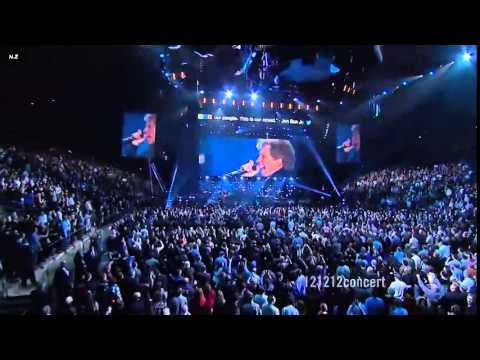 Bon jovi livin 39 on a prayer live at madison square garden 2012 youtube for Bon jovi madison square garden