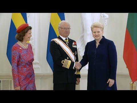 Dalia Grybauskaitė priėmė į Lietuva atvykusią Švedijos karališkąją šeimą