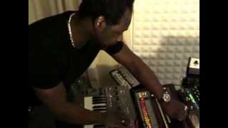 Скачать A Guy Called Gerald Plays Analogue In His Studio