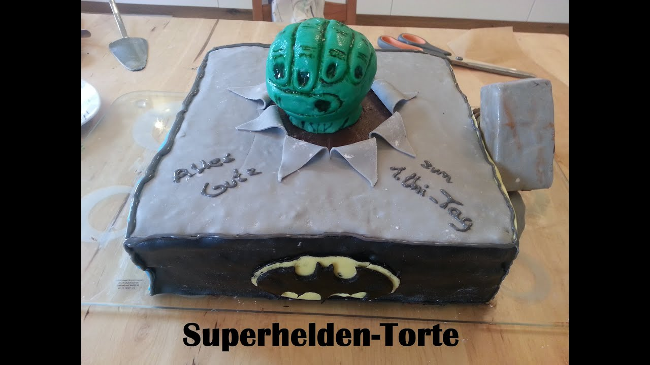 superhelden torte superhero cake modellieren backen. Black Bedroom Furniture Sets. Home Design Ideas