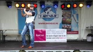 Download Vivimi - Laura Pausini by Paul Smithuis MP3 song and Music Video