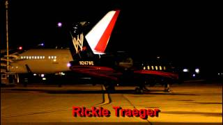 WWE Wrestling  & Boeing 787 on same ramp at Rockford Airport