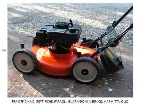 Spatacco e smontaggio motore del tagliaerba doovi for Motore tagliaerba