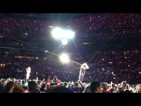 "Taylor Swift 1989 World Tour Seattle ""Style"" special guests: Ciara and Russell Wilson"