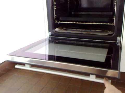 Gefährlicher ZUG Backofen automatische Türe brandheiss