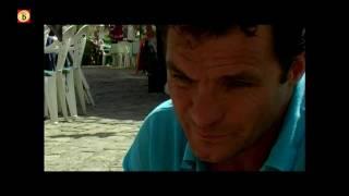 Portret van zanger/zaalvoetballer John de Bever