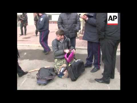 4:3 Pro-Russian supporters arrested in Kharkiv, weapons seized