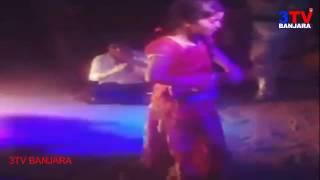 Small Banjara Girl Rocking Dance on DJ Song at Marriage Barat // 3TV BANJARAA