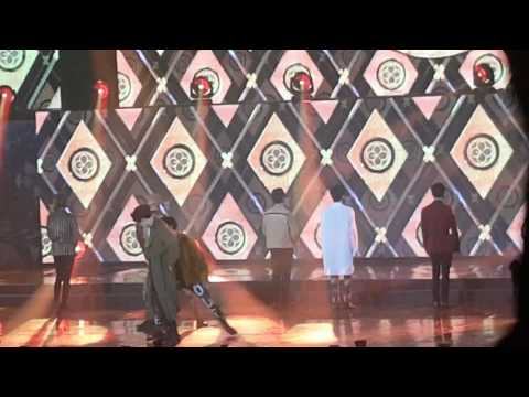 EXO fancam Gaon Awards 17.2.22 Monster and Lotto