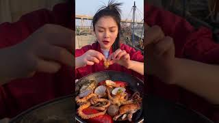 해산물 저녁을 먹는 어부들은 너무 맛있다 #shortv…