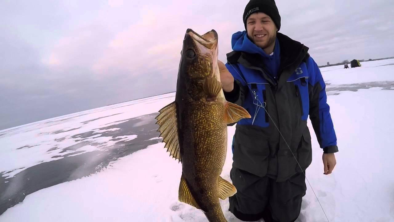 Hook set fishing february 2016 little bay de noc walleye for Bay de noc fishing report