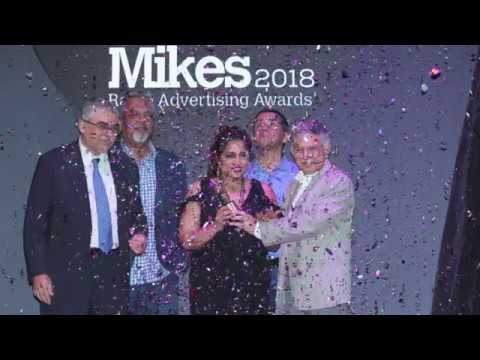 Malishka Mendonsa awarded as RJ of the year at Golden Mikes 2018