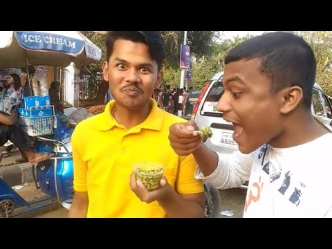 Eating Show Street Food Green Banana Recipe @ Tk 30 Spicy Delicious Mix Kacha Kola Boroi Tetul Vorta