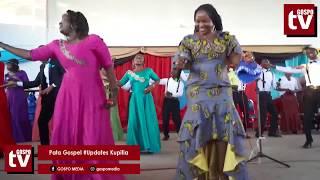 Baixar Christina Shusho Akiimba Sebene Kwenye Uzinduzi wa Album yake ya Akutendee Nini