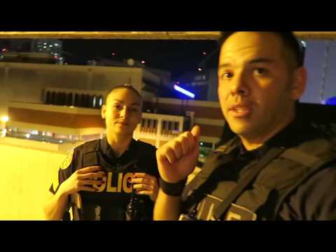 Видео блог сотрудника , полиция Майами , поиск  наркотиков и стрелка ( русские субтитры ) - Смотреть видео без ограничений