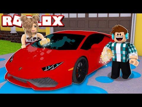 LAVEI O CARRO DE UM YOUTUBER FAMOSO !! - (Roblox Car Washing Simulator)