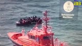 Salvamento Marítimo busca dos pateras con 53 y 58 personas en el mar de Alborán