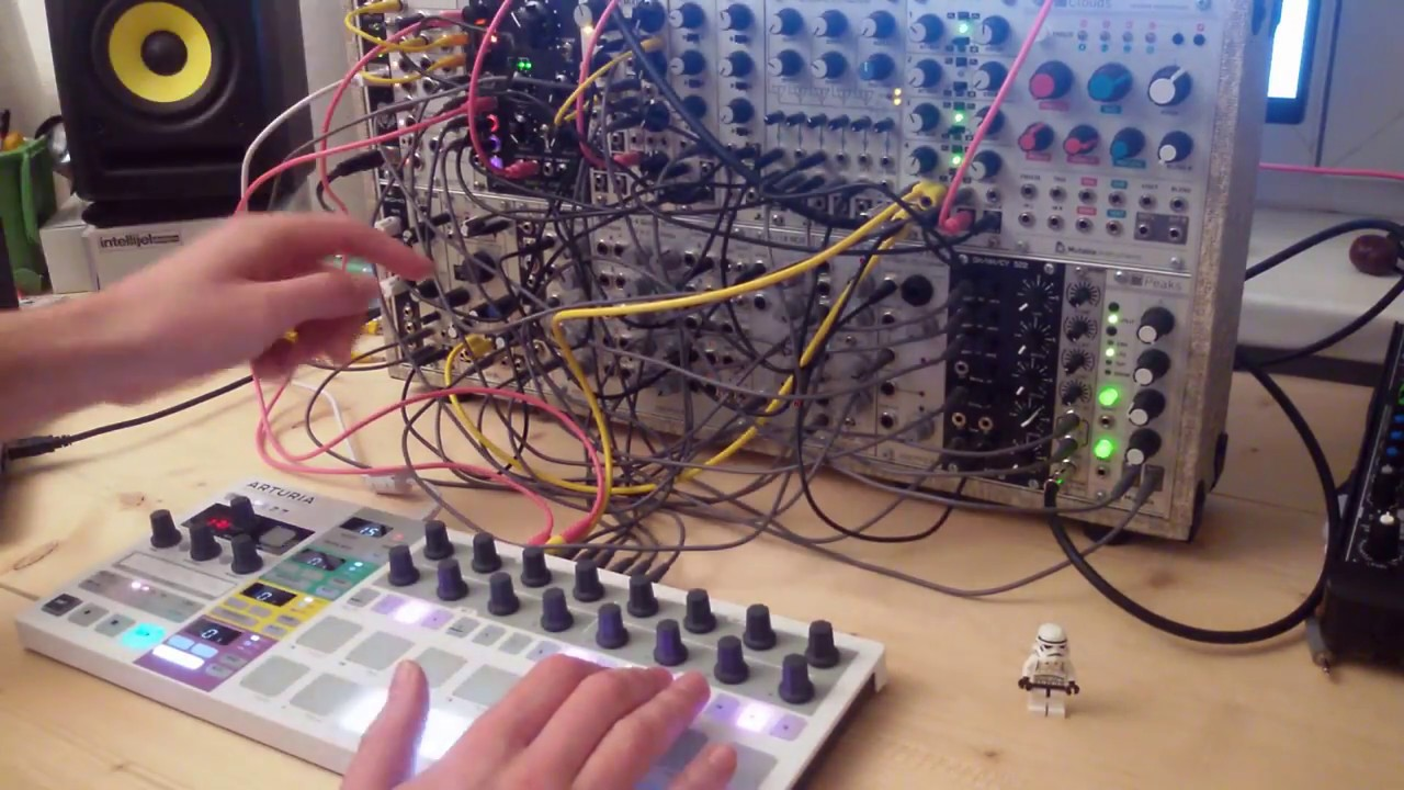 live jam 113 techno improvisation eurorack modular synth and arturia beatstep pro youtube. Black Bedroom Furniture Sets. Home Design Ideas