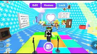 Dancing in cheering chant boom box Adopt me (Roblox)