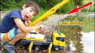 Pretend Play Crane Fishing in a REAL Lake!