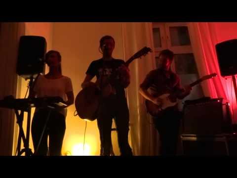 Liza&Kay - Deine Kammer - Live @ Wohnzimmerkonzert, Hamburg - 08/2015