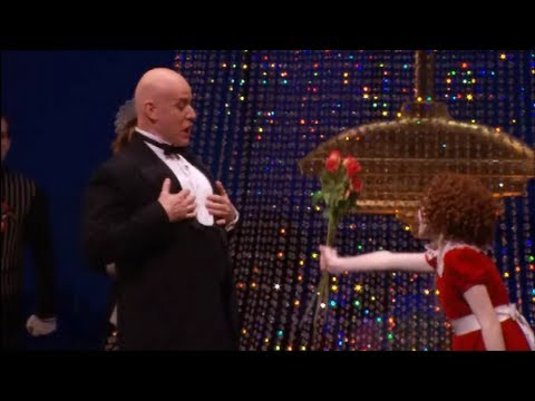 Interview with Anthony Warlow: Daddy Warbucks In Annie On Broadway.