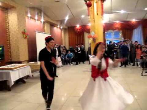 памирский танец в Бишкеке