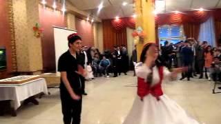 памирский танец в Бишкеке(танцевали как могли))), 2012-12-17T19:32:15.000Z)