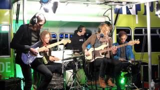 Okta Logue live acoustic - Let Go - Reeperbahn Festival Reeperbus Hamburg 2013