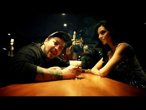 Σκιές feat. Xino Slogan Taki Tsan Χαρμάνης Sparky T - Roll Wit' Us