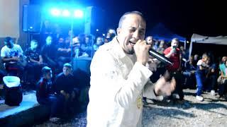 الشيخ سلطان متأثر  جدااا في اغنية  مانيش ولابد