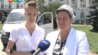 Многодетная крымская семья получила ключи от микроавтобуса