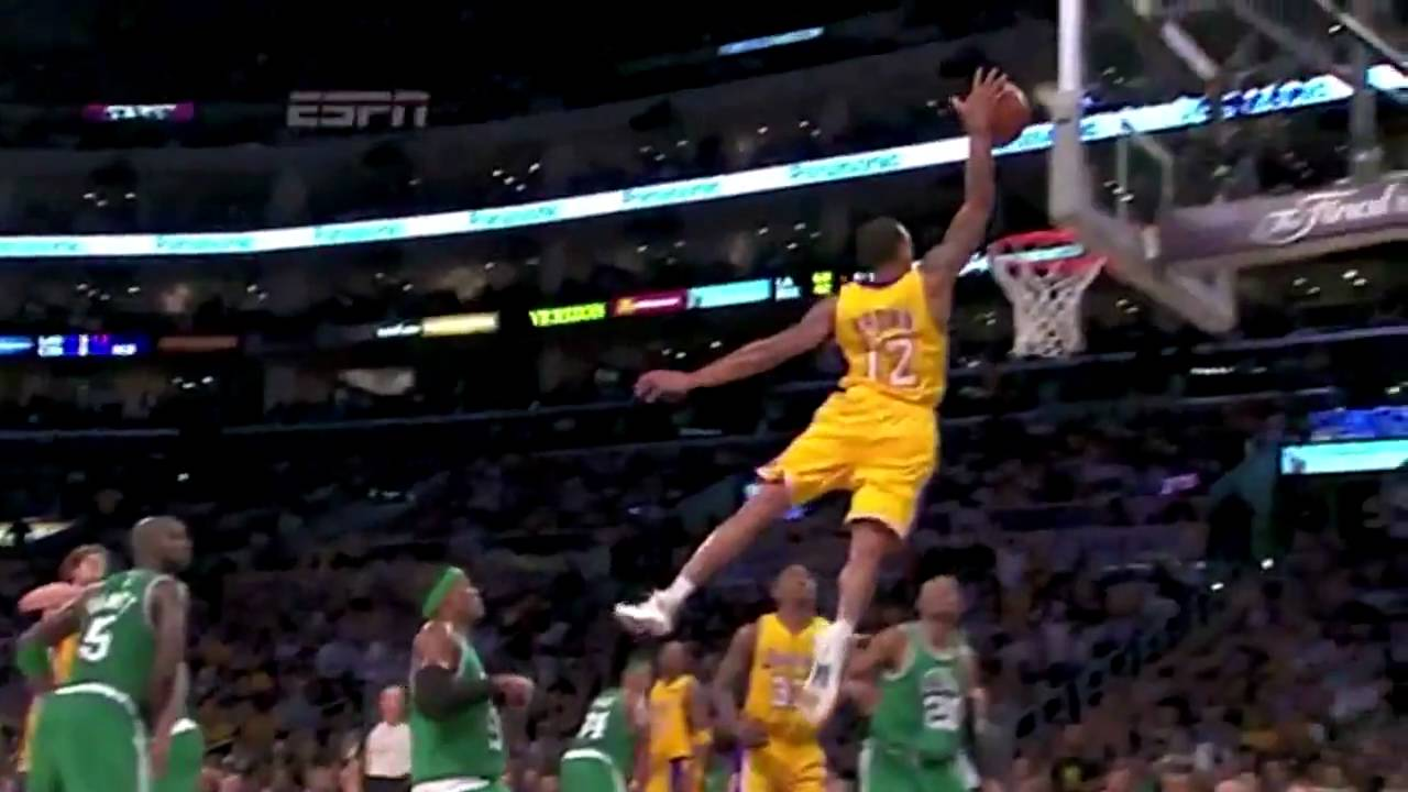 Celtics vs Lakers NBA Finals Game 6 - Shannon Brown Amazing Dunk - YouTube