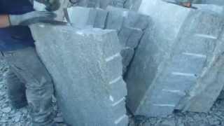Spacco di una lastra di pietra di luserna