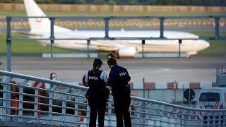 فيديو.. إنذار كاذب بوجود قنابل على طائرتين متجهتين إلى بروكسل
