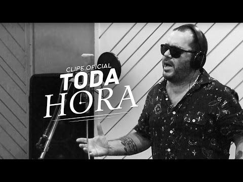Toninho Geraes - Toda Hora (CLIPE OFICIAL)