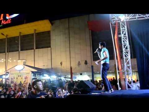 Ungu Ft. Ario Wahab Perform Event Elang Nusa By Telkomsel Di PTC Mall Palembang Minggu 24 April 2016