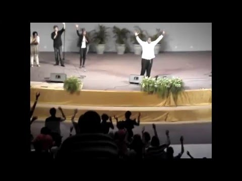 William McDowell - Jesus Is Here [Live]