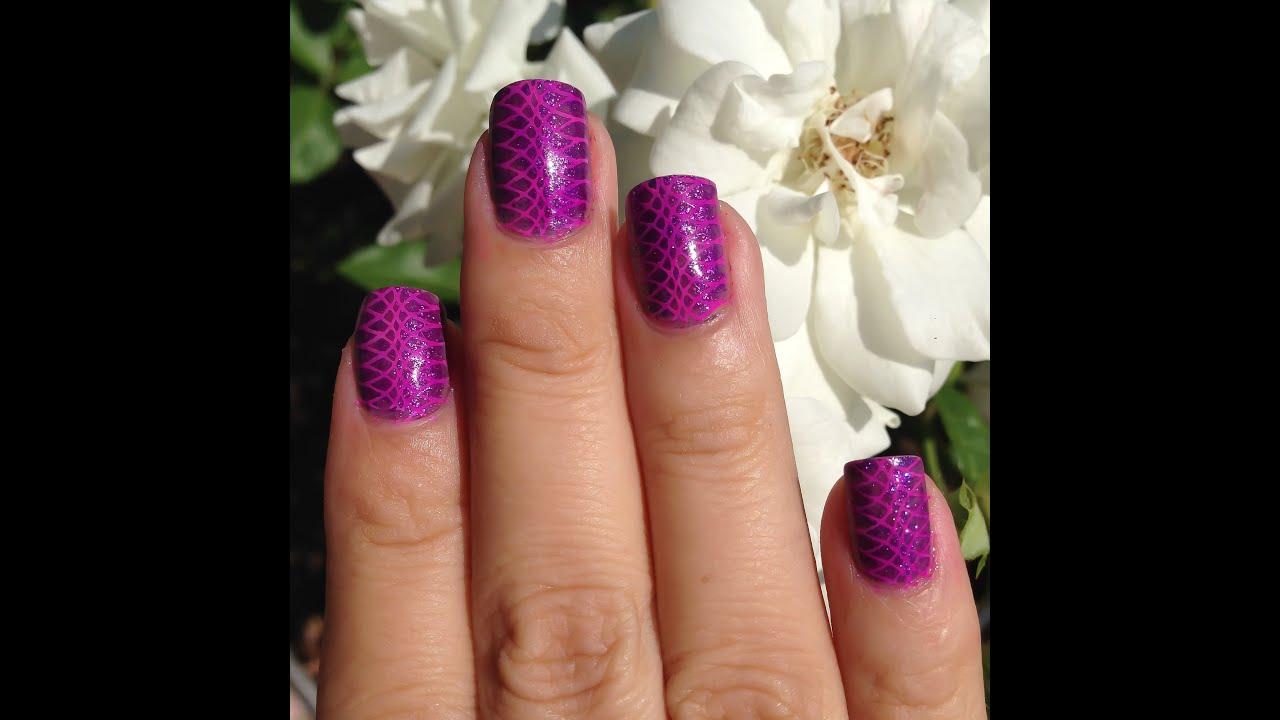 Facil diseño morado para uñas cortas + estampado - YouTube