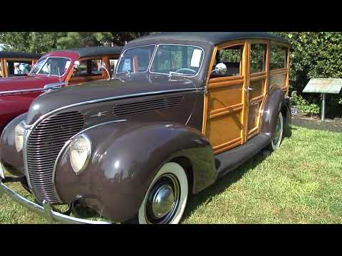 Woodies cars at Lions Club show