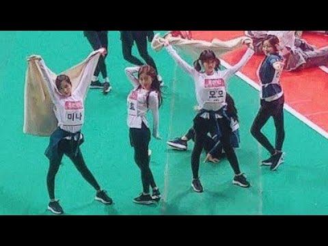 TWICE Dancing To Candy Pop At ISAC 2018 Candy Pop Dance Tzuyu Nayeon Mina Momo