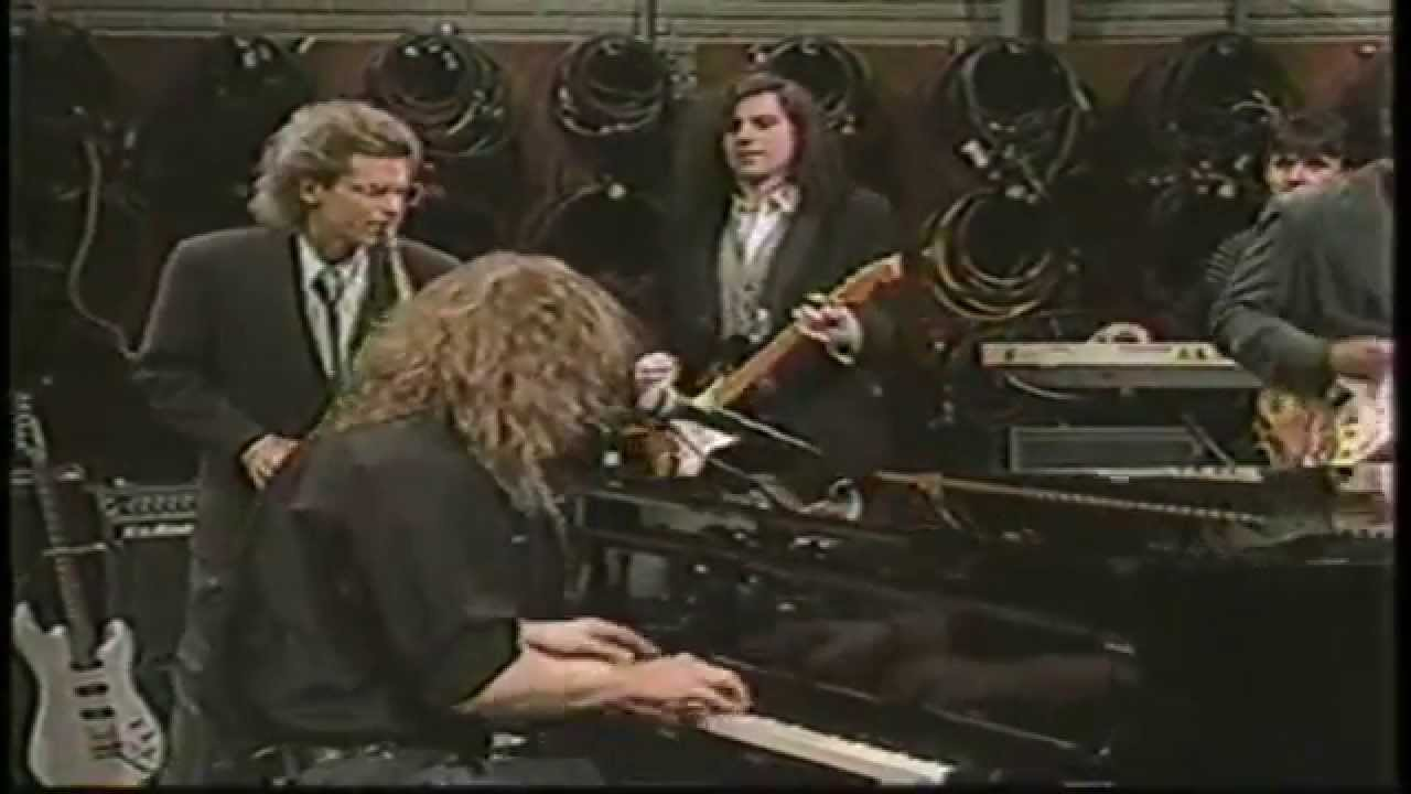 warren-zevon-lawyers-guns-and-money-david-sanborn-show-1989-hd-warrenzevonaddict