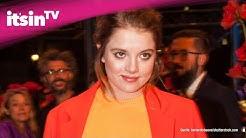 """Fack Ju Göhte""-Star Jella Haase küsst eine Frau"