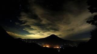 夏の富士山夜景 Night scene of Mt.FUJI in Summer (Time-Lapse)
