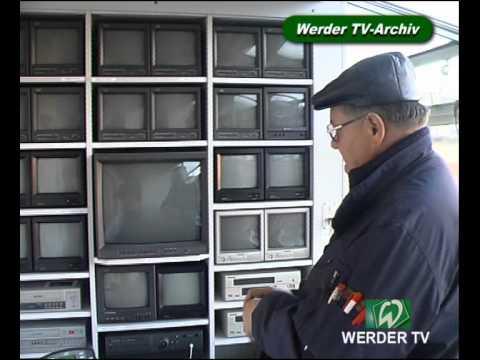 Chef im Weserstadion: Hausmeister Siggi Mannig  * Hünniger