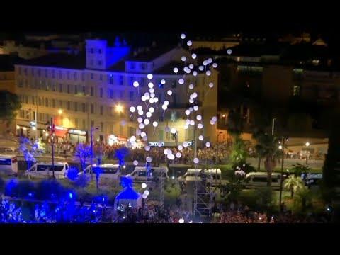 Hommage à Nice: lâcher de 86 ballons en mémoire des victimes