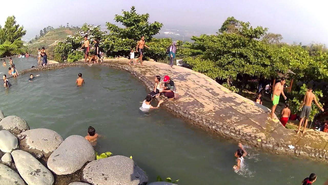 Kolam Renang Alam Objek Wisata Umbul Sidomukti Bandungan