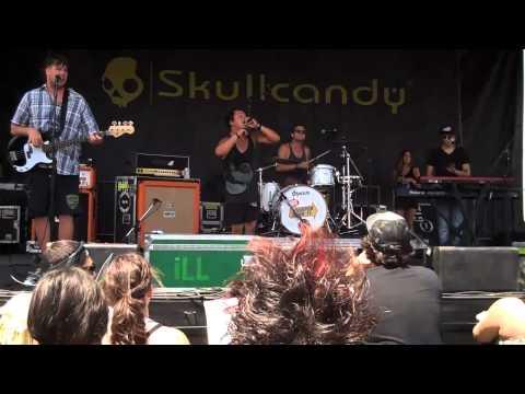 IllScarlett - Mary Jane - Warped - Cricket Amphiteatre - San Diego - 9Aug2011