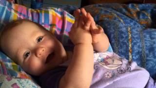 видео Всем смотреть что делает 3-х месячный ребенок
